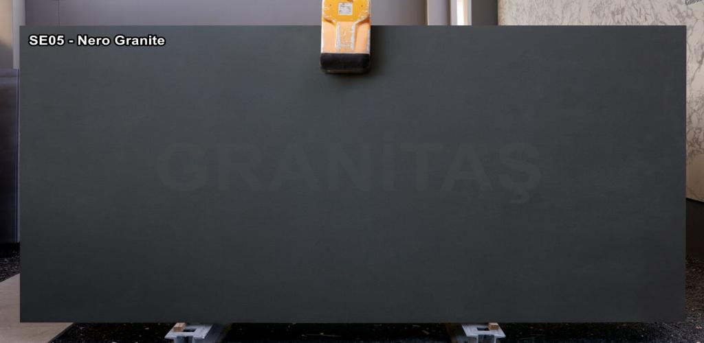 SE05 - Nero - Granite